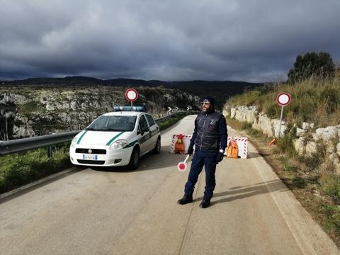 INIZIATI I LAVORI PER BONIFICARE L'AREA DELLA FRANA SULLA SP 45