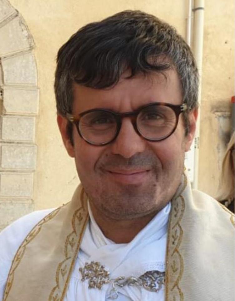PADRE ROSARIO LO BELLO: I POLITICI E I NOTABILI SANNO BEN SISTEMARE I PROPRI FIGLI