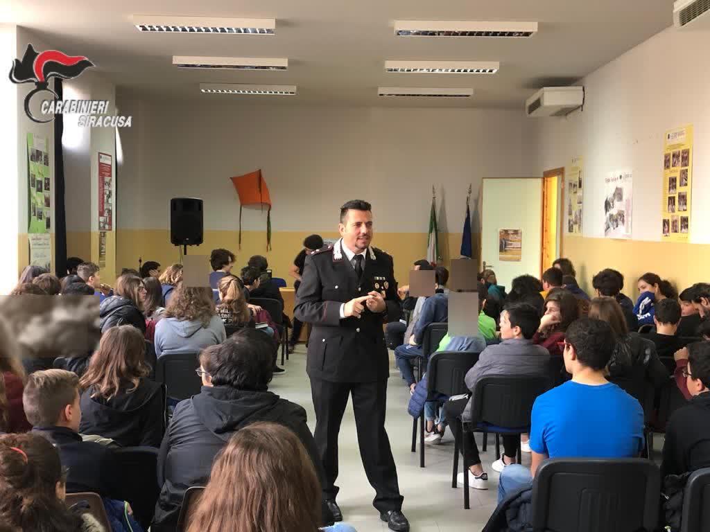 BULLISMO E LEGALITA', I CARABINIERI INCONTRANO STUDENTI DI PALAZZOLO